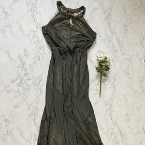 Apt 9 green chevron halter maxi dress l